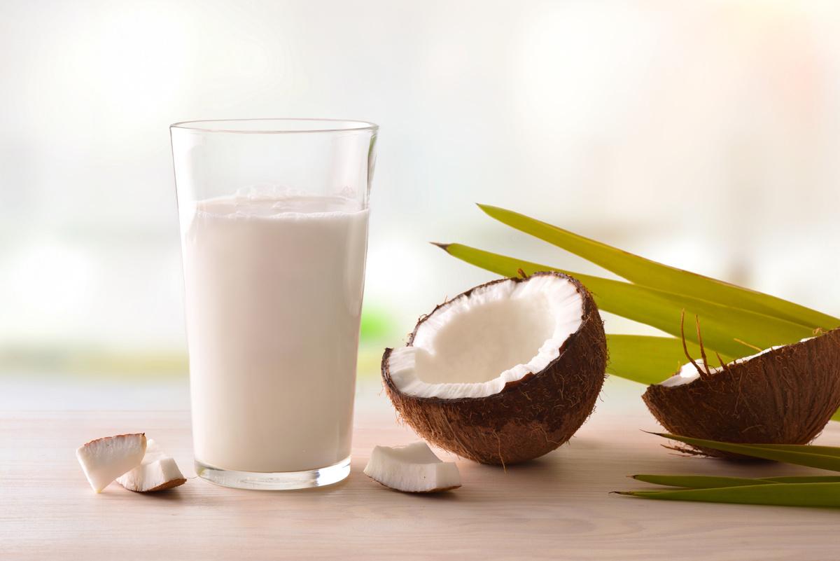 ミルク ココナッツ ココナッツミルクの栄養と効能。カロリーや副作用は?ダイエット効果は?