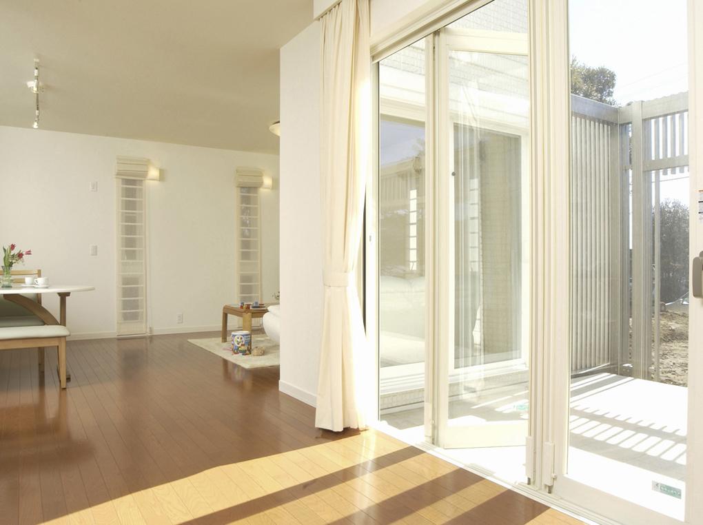 窓の断熱フィルムおすすめ4選|エアコンの効果に差が出る知識