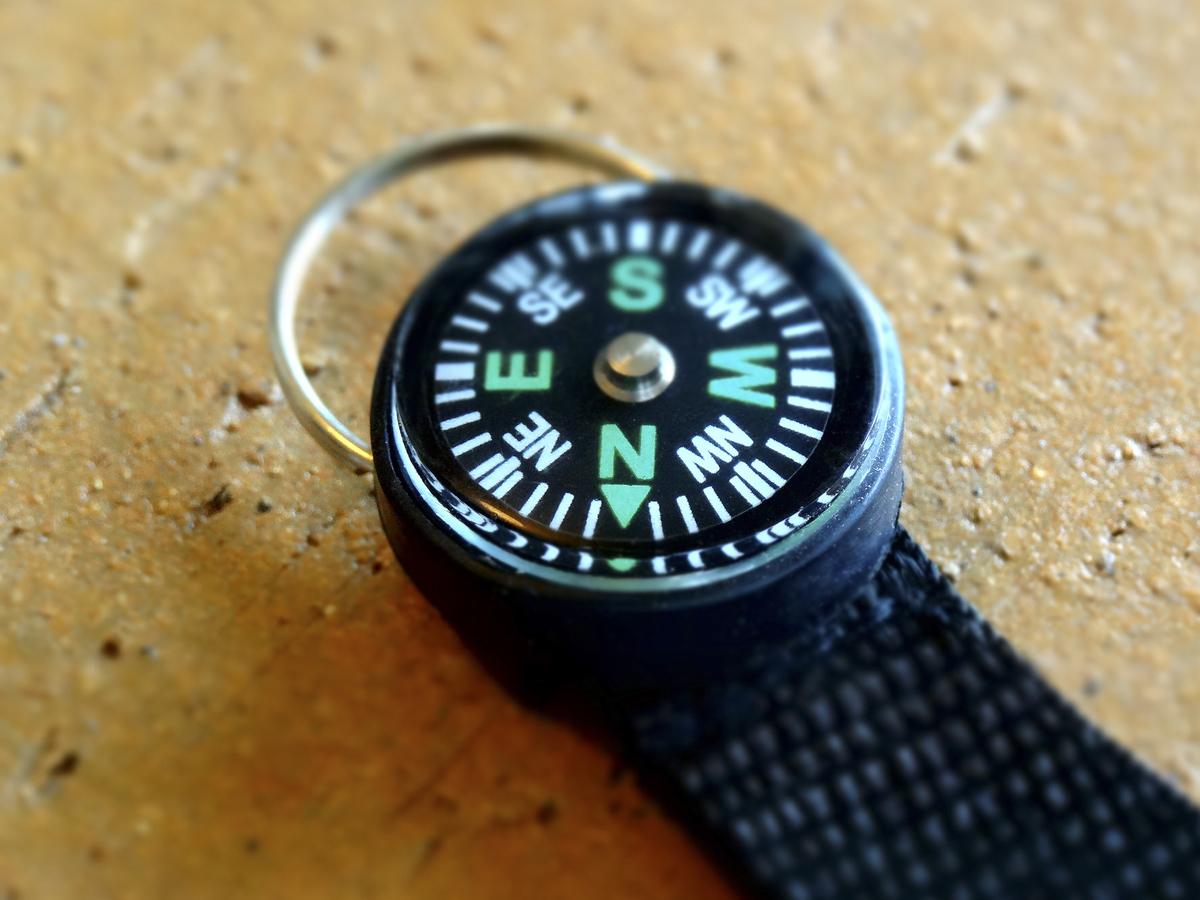 09e9f1ec7d 携帯性の高い【方位磁石】商品5選&選び方| 山岳写真家に聞く | マイナビおすすめナビ